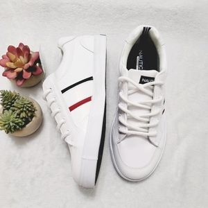 NWT Nautica Lace-Up Sneaker Hull Side White Size 4